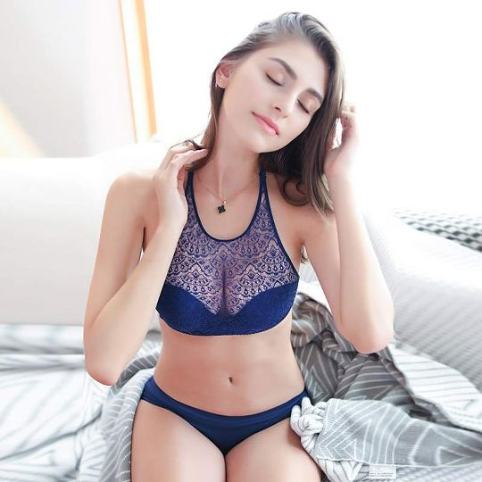 a93c5c013 Fortuna Paerlan Hanging Neck Without Straps Invisible Underwear Gathered Non -Slip Beauty Back Lace No